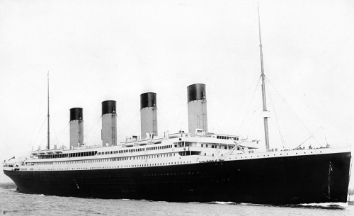 Titanic departing Southampton 10 April, 1912
