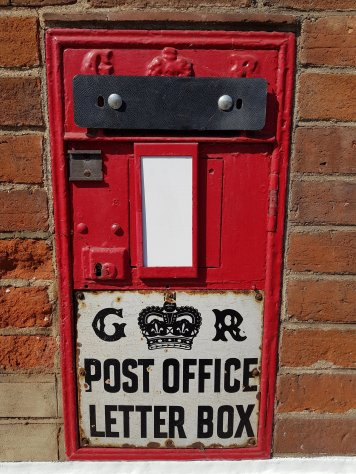 George V Ludlow wall box