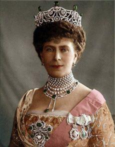 Queen Mary wearing Delhi Durbar Tiara that was made in 1911