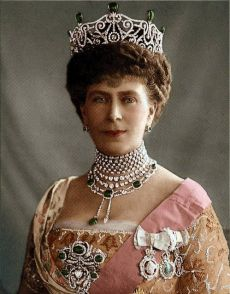 Queen Mary wearing Delhi Durbar Tiara that was made in 1911