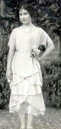 Lady Elizabeth Bowes-Lyon, aged 21.