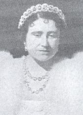 Queen Elizabeth wearing the Teck Circle Tiara