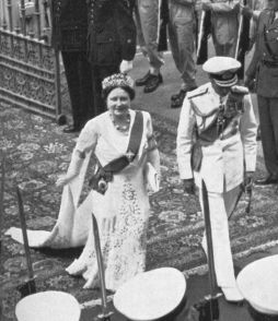 Queen Elizabeth wearing the Delhi Durbar Tiara on a state visit to South Africa