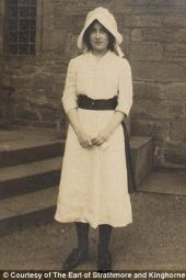 A teenaged Elizabeth during the time she helped care for the wounded in her family's Scottish home