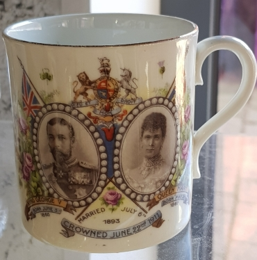 Mug commemorating the coronation of King George VI and Queen Mary in 1911