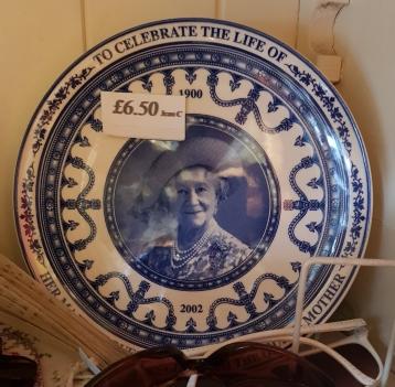 Plate commemorating Queen Elizabeth the Queen Mother